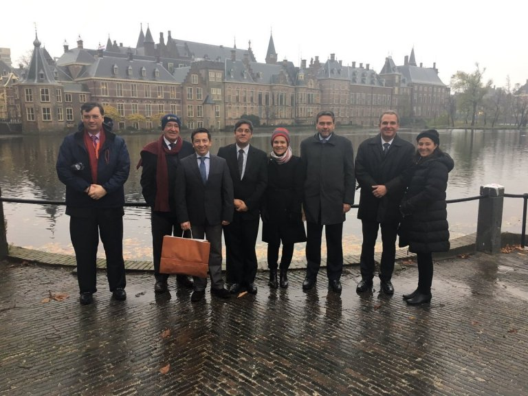 38-2-reconocidas-entidades-del-sector-salud-de-colombia-visitan-paises-bajos.jpg