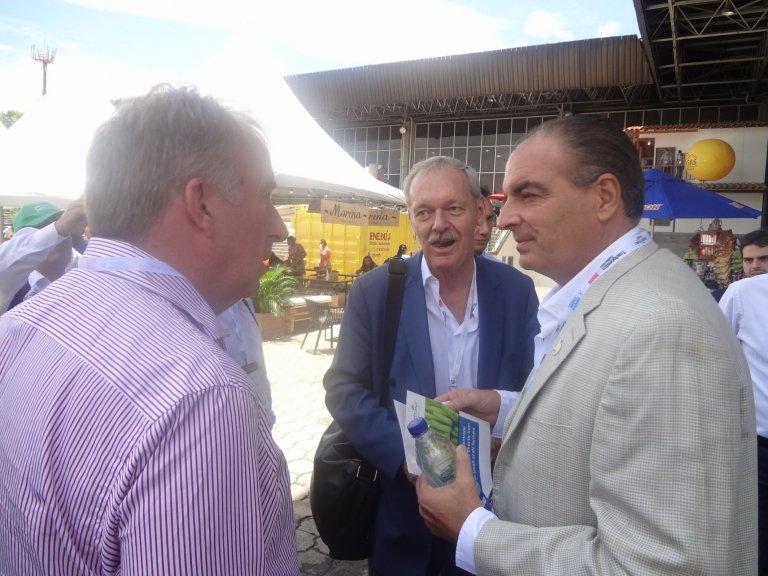 40-1-exitosa-participacion-de-holanda-en-expo-agrofuturo-2016.jpg