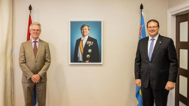embajador-del-reino-de-los-paises-bajos-en-colombia-visita-aruba.jpg