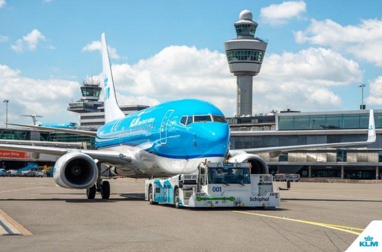 taxibot-en-el-aeropuerto-de-amsterdam-schiphol.jpg